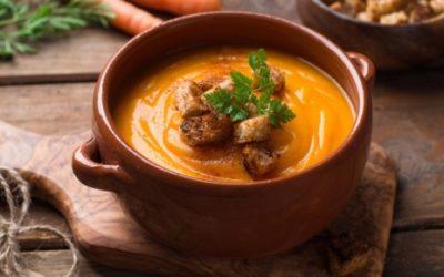 Kremowa zupa z pieczonych marchewek